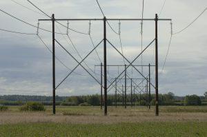 poteau de ligne téléphonique poteaux de ligne téléphonique poteau de ligne électrique poteaux de ligne électriques type EDF france telecom