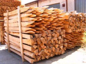 palette piquet acacia sciés palissage viticole arboricole clôture acacia vigne acacia rond